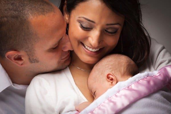 Der Wunsch nach einem eigenen Kind soll auch ohne Trauschein  erfüllt werden (c) Thinkstock