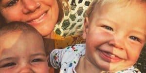 Constance mit ihren beiden Jüngsten (c) instagram.com/mrsconstancehall/