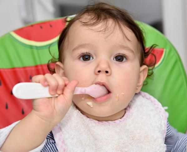 Zu viel Zucker in Babynahrung