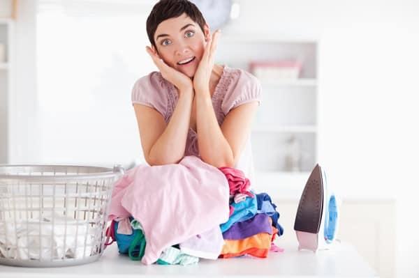 Männer sorgen für sieben Stunden mehr Hausarbeit