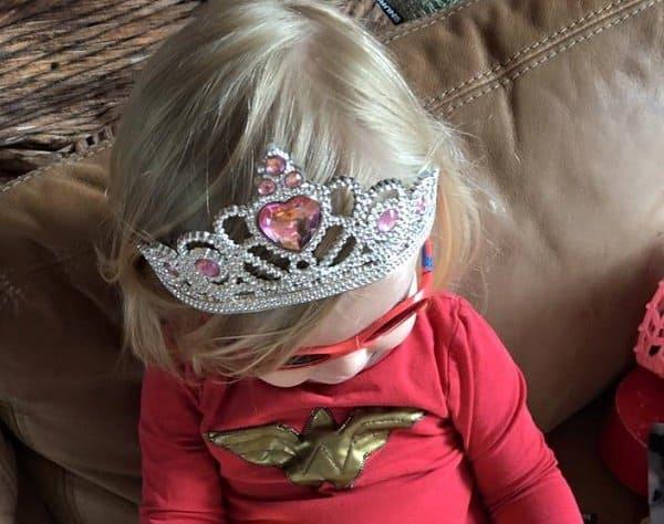 Die heldenhafte Prinzessin aß mutig Jungs-Smarties (c) Muttergefühle.Gesamtausgabe/ R. Drust