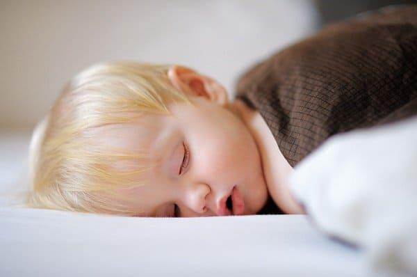 Eltern verzweifeln, wenn Kinder nicht schlafen  © Thinkstock