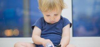 Schon die Kleinsten nutzen Smartphone ©Thinkstock