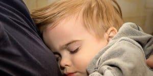 Zweijähriger Schlafwandler allein auf der Straße © Symbolfoto: Thinkstock