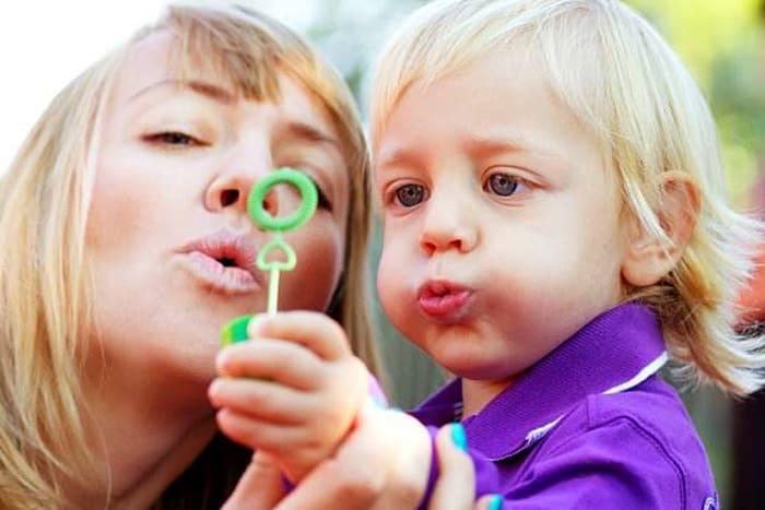 Hartz-IV wird erhöht - auch für Kinder und Jugendliche (c) Thinkstock