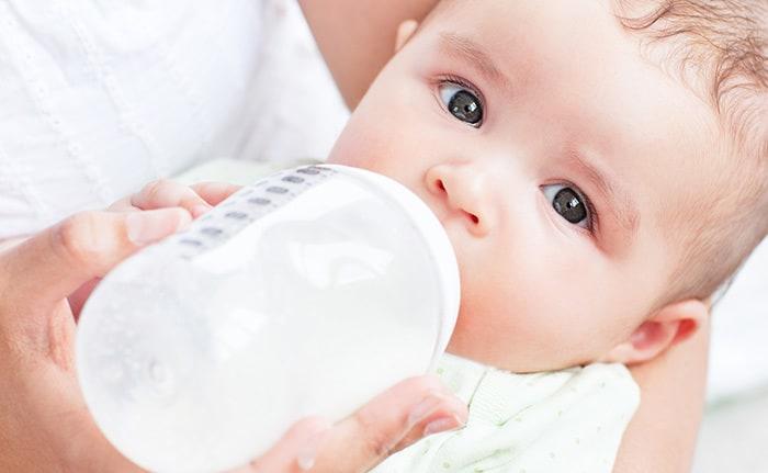 Salmonellen in Milchpulver: Lactalis ruft 12 Millionen Dosen in über 80 Ländern zurück (Symbolfoto© Getty Images)