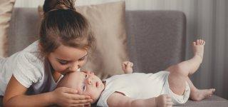 Mehrheit der Kinder in Deutschland wächst mit Geschwistern auf (Getty Images)