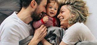 CDU/CSU und SPD planen eine Ausweitung der Mütterrente (© Getty Images)