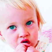 Kind im Alter von 22 Monaten